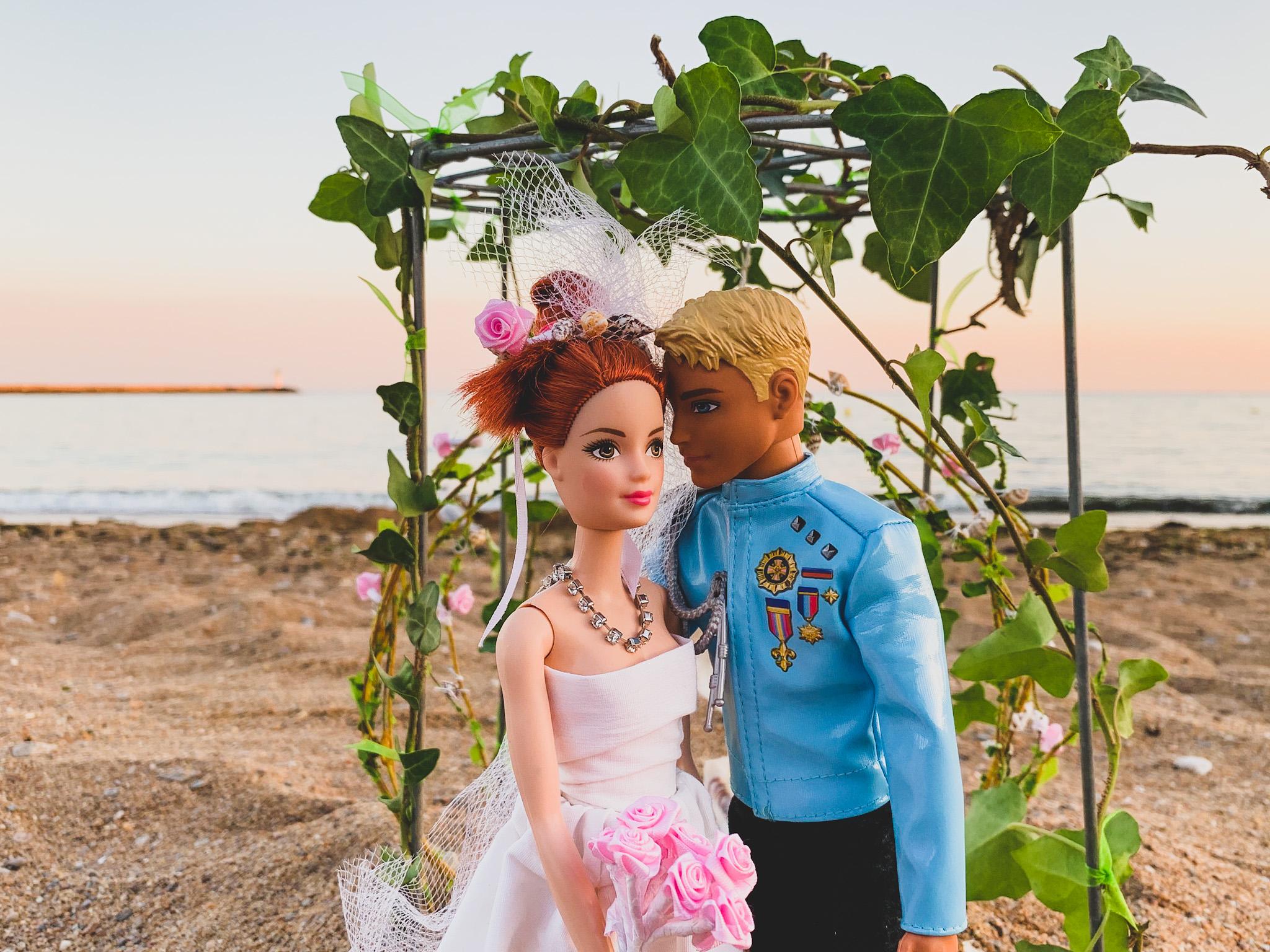 Le mariage de Barbie et Ken : la cérémonie laïque sur la plage - © Jolies Cérémonies
