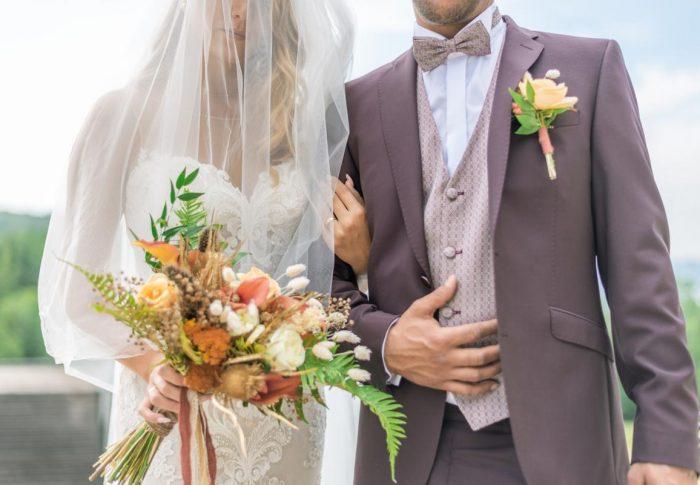 Shooting d'inspiration pour un mariage aux couleurs terracotta et dorée