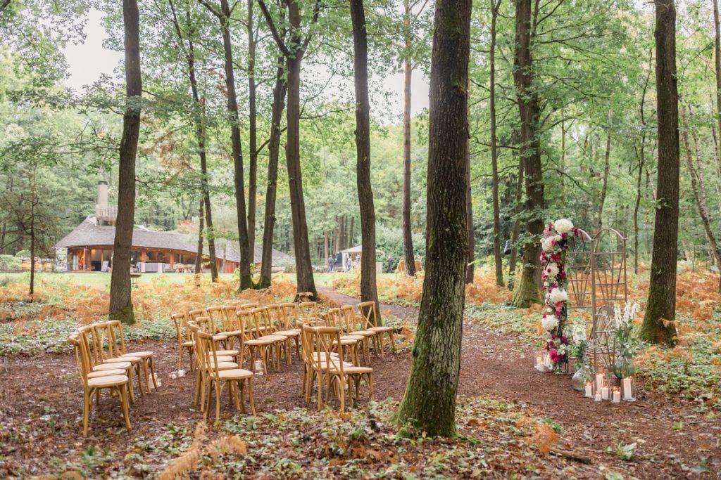 Un mariage en forêt : la cérémonie laïque // Shooting d'inspiration publié sur Jolies Cérémonies