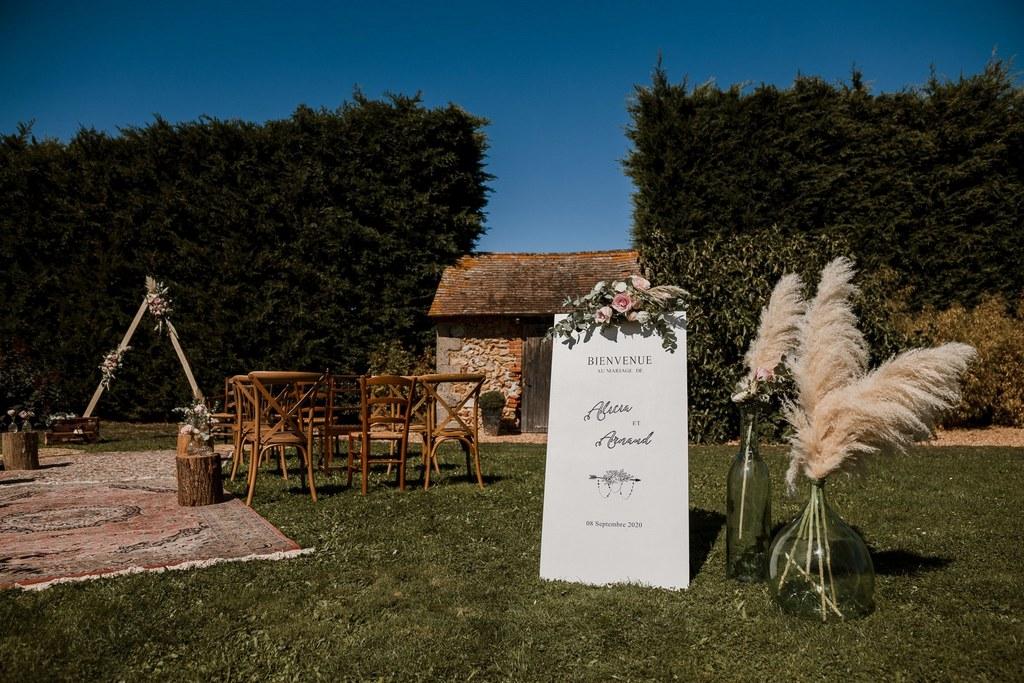 Panneau de bienvenue pour cérémonie laïque // Shooting d'inspiration publié sur Wedding by Fabiola