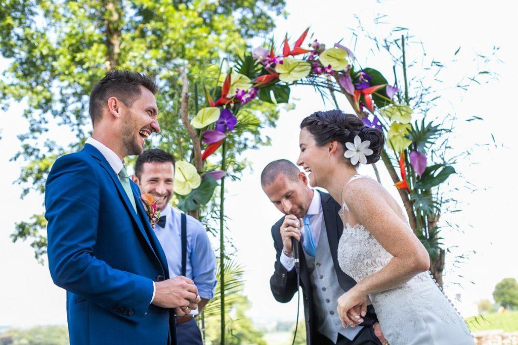 Mariage tropical coloré / Photo Dimitri Petrowski / Publication Wedding by Fabiola