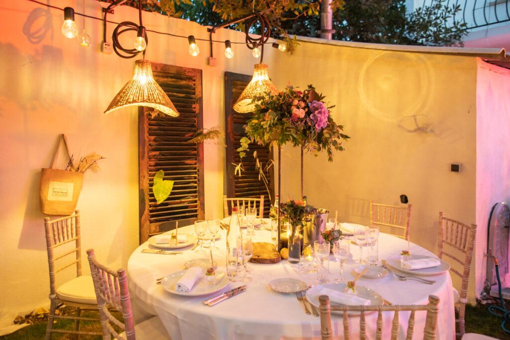 Organiser son mariage pendant la Covid-19 avec une garden party dans le jardin familial // Photo Pascal Vo // Mariage publié sur Wedding by Fabiola